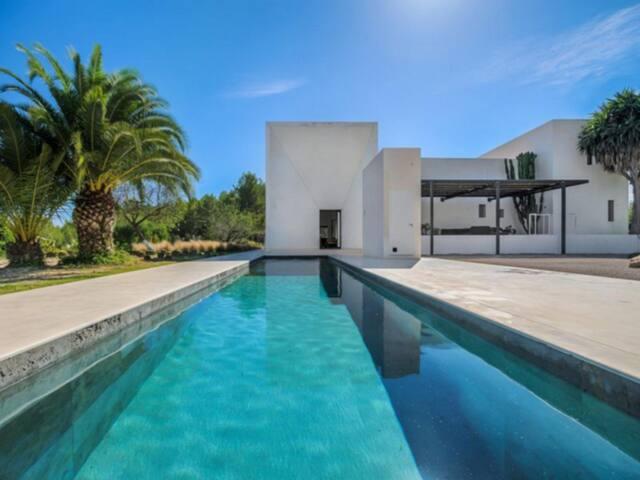 Superb Villa in IBIZA - Sant Antoni de Portmany - Villa