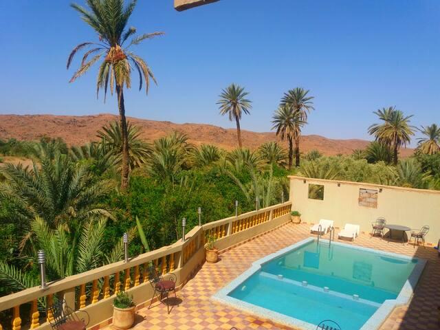 Belle  Kasbah Avec piscine Chez Madame Najate