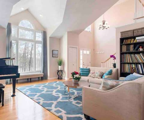 Beautiful and spacious 4bdr 3 bath house in Acton