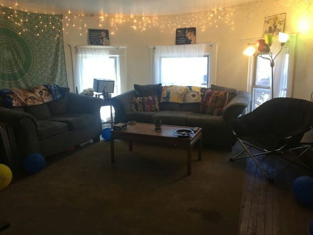 Downtown With Parking - Morgantown - Appartement