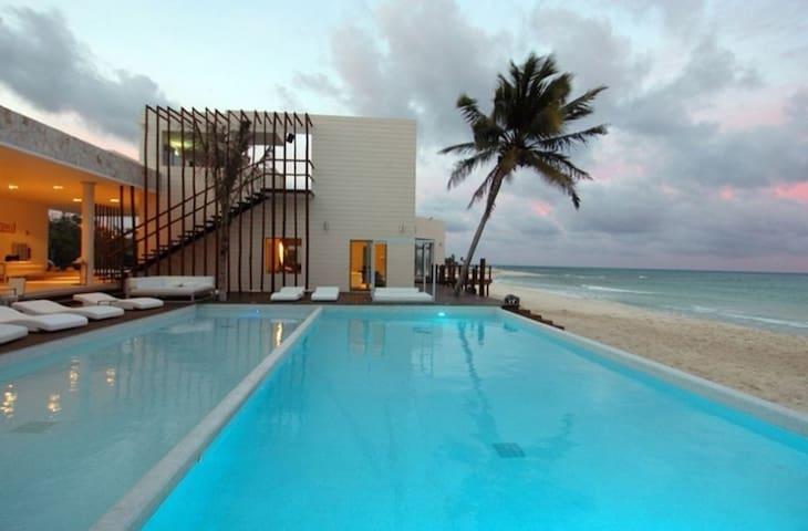 Beachside Corasol, Los Mayas con Terraza p/4 perso