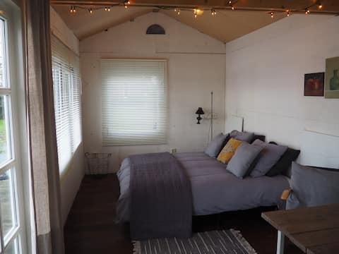 Bed & Breakfast in boathouse