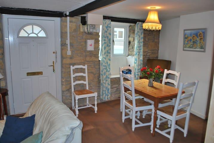 Holly Cottage, West Coker, Somerset, UK