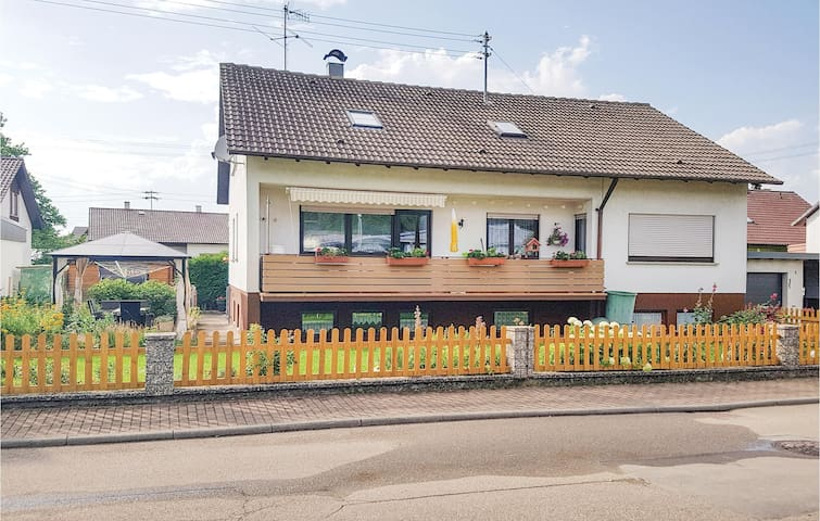 Holiday apartment with 2 bedrooms on 75 m² in Vöhringen