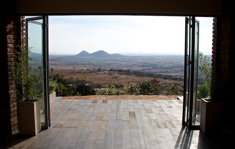 Nyumba Ndoto, Dream house with unreal views