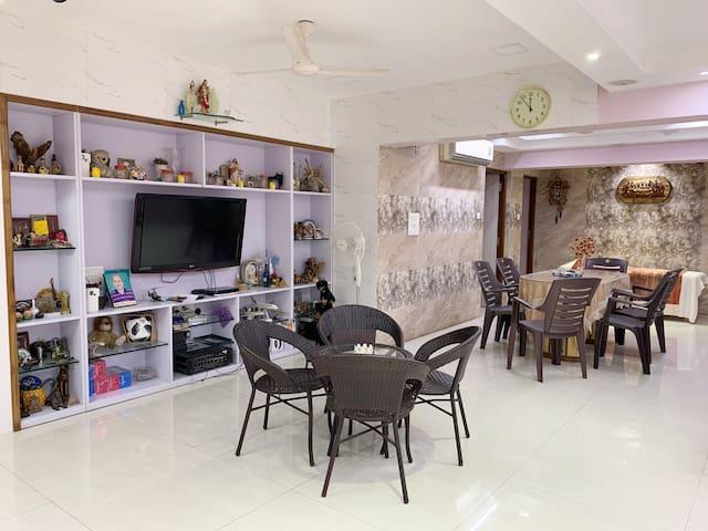 Premium Homestay Near Bombay Exhibition Center