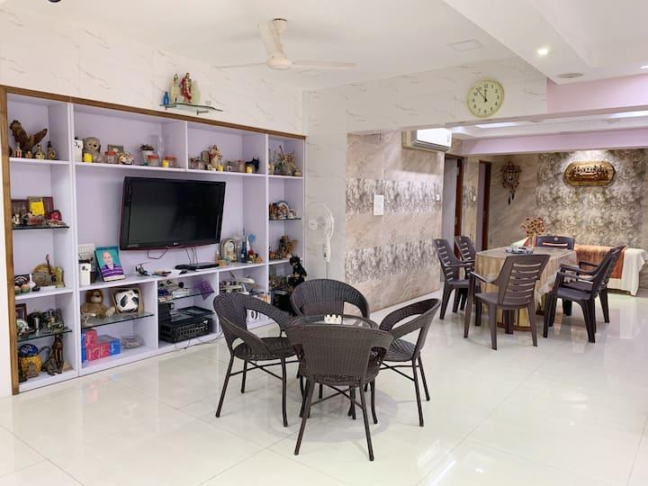 Premium Homestay for Professionals in Goregaon