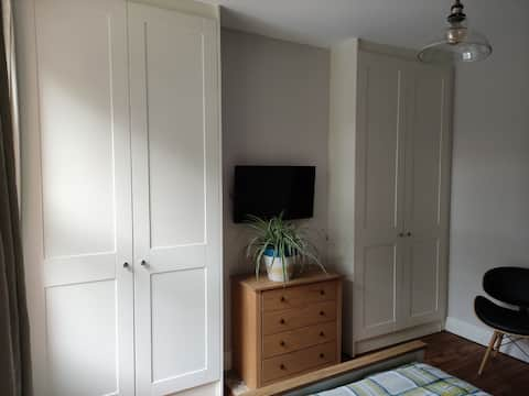 Double room with free parking and breakfast