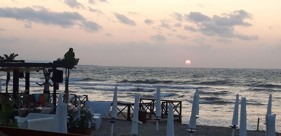 Casa tramonto sul mare