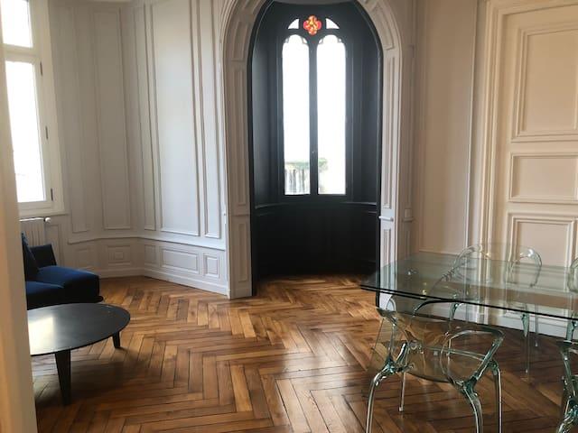 Magnifique 100 m2 +parking,Les Halles quart. histo