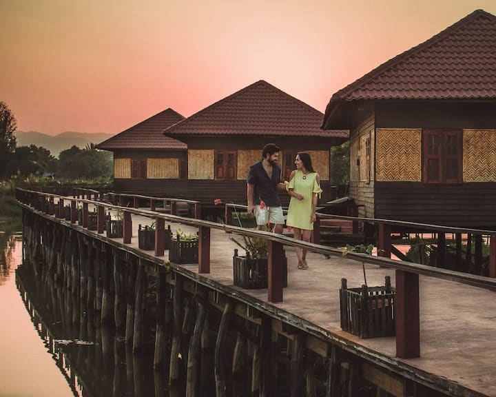 Shwe Inn Tha Floating Resort