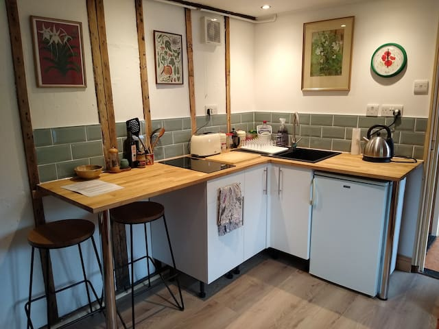 Unique row of cosy cottages