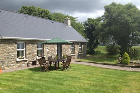 Luxury 2 bedroom cottage near Skibbereen West Cork