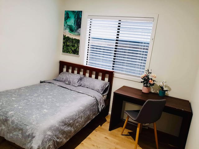 Private Room Near University and Campbelltown city