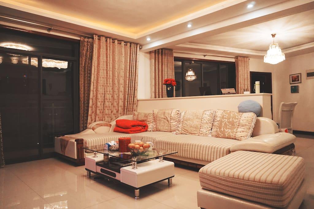 主客厅、沙发