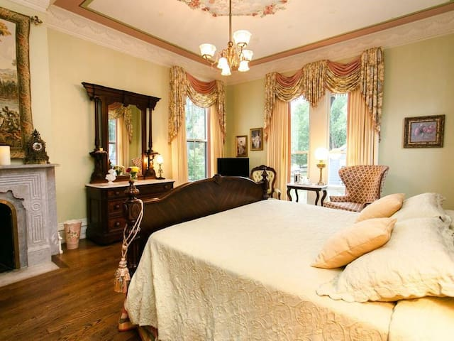 The Cupids & Roses Room @ Silas W Robbins House