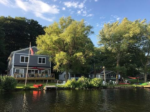 Deer Shores Cottage on Big Pine Island Lake, 7 BR