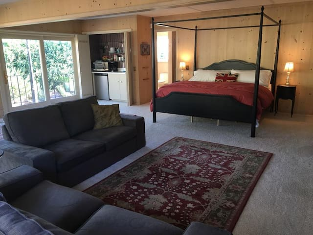 Pebble Beach guest suite near The Lodge