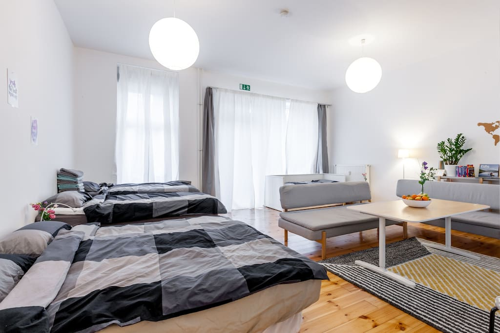 Homy apartment perfect for groups & near U station ...