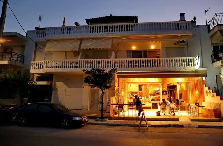 Leonidas apartments - Nea Peramos