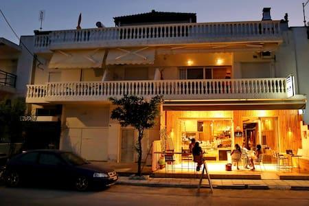 Leonidas apartments - Nea Peramos - Serviced flat