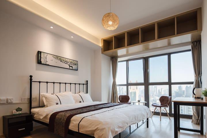 溪禾公寓阳光大床房