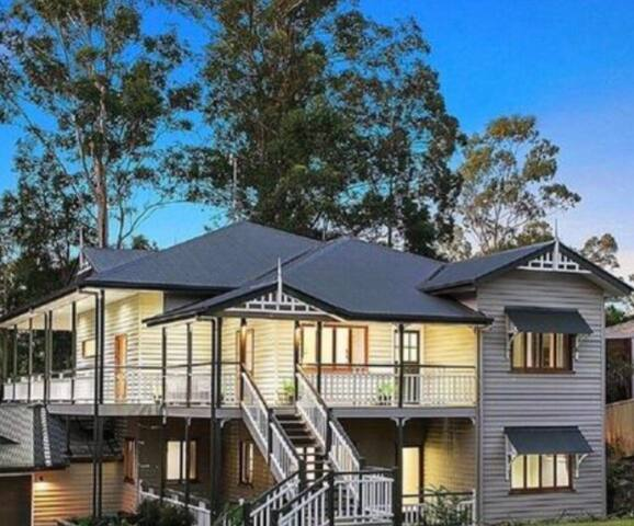 Gorgeous spacious Queenslander - Buderim - Casa
