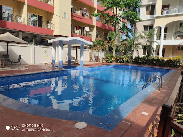 2 Bedroom Penthouse  Free WiFi Convenient Location