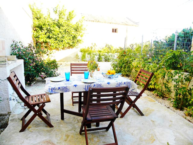 Kitesurf paradise, up to 6 pax, wifi, a/c - Marsala - Apartment