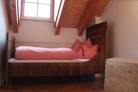Helle 3 ZimmerWhg. mit Balkon und TG im Chiemgau - Palling - Apartment