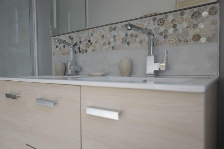 Salle de bain (2ème étage)