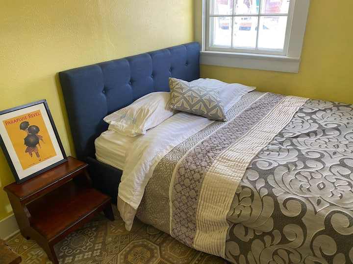 Sunny room, dream location