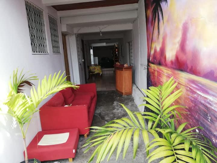 Chambre dans une maison avec accès indépendant-2b