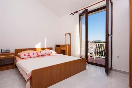 Apartments Jurić / One bedroom A1 - Brodarica - Byt
