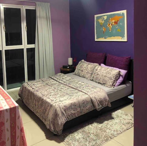 Room with Shower Near Train & Subang Airport
