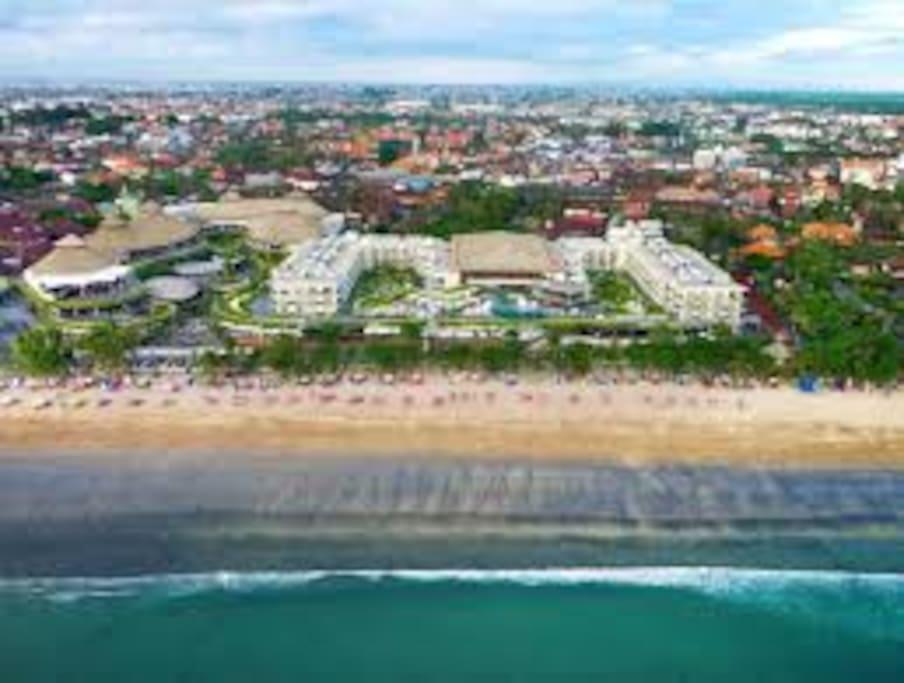 Beachwalk Mall Kuta, 10 minutes walk