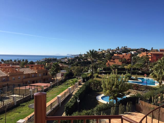 Home from home, in the sun and more! - Estepona - Huis