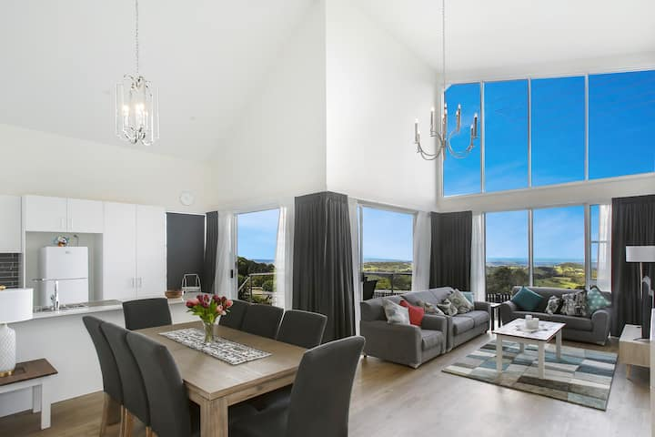 Brand new home★Spectacular views★Wedding stunner!