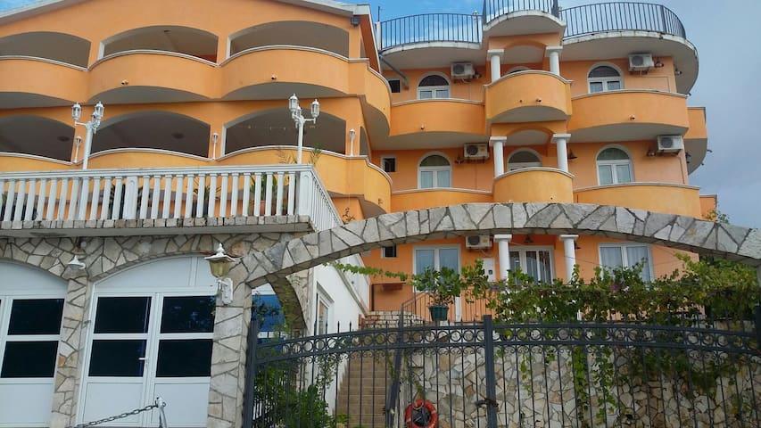 Appartmanns Villa Galina