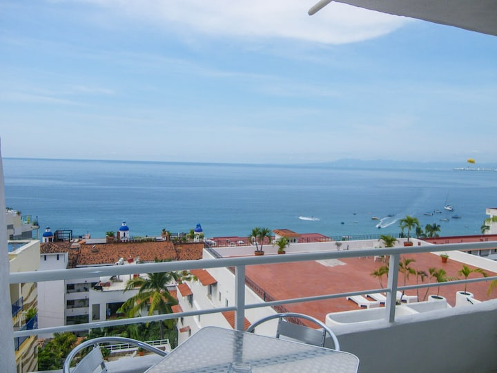 Boana Torre Malibu condo 604, Ocean and City View