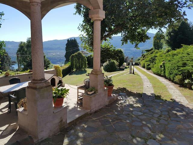 "Appartamento villa""Le Vignole"" large ""Camillo"" - Vacciago"