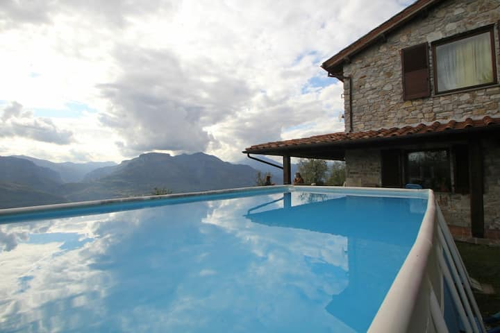 House with Pool and great panoramic views