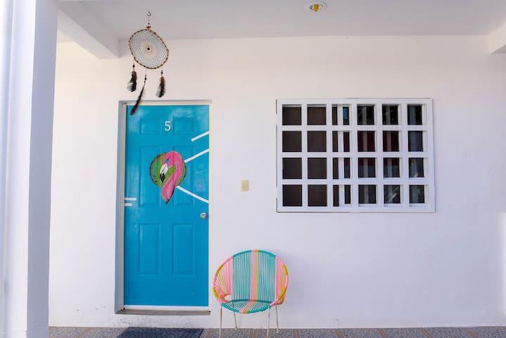 BLUE Beach Inn, peaceful and cozy private room