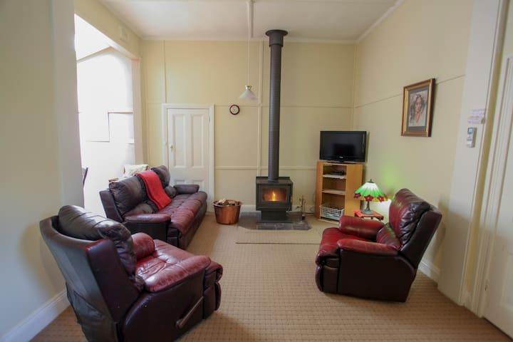 Olinda Country Cott's 2 bedroom family suite