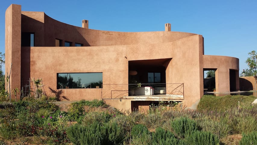 El Farah Villa - Ecological Family House - Marrakesh - Jordhus
