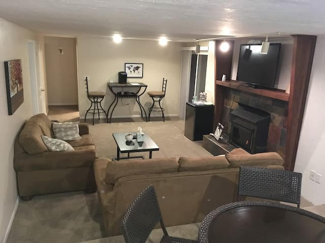 Entire Basement w/Living Room - 2 bedrooms