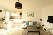 vue globale salon/cuisine ouverte Living-room / Kitchen