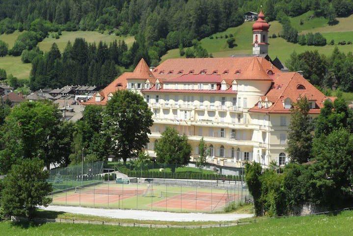 Il Castello di Sissi - Miniappartamento - Colle Isarco - Leilighet