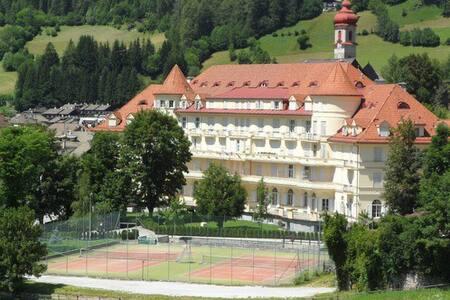 Il Castello di Sissi - Miniappartamento - Colle Isarco - Huoneisto