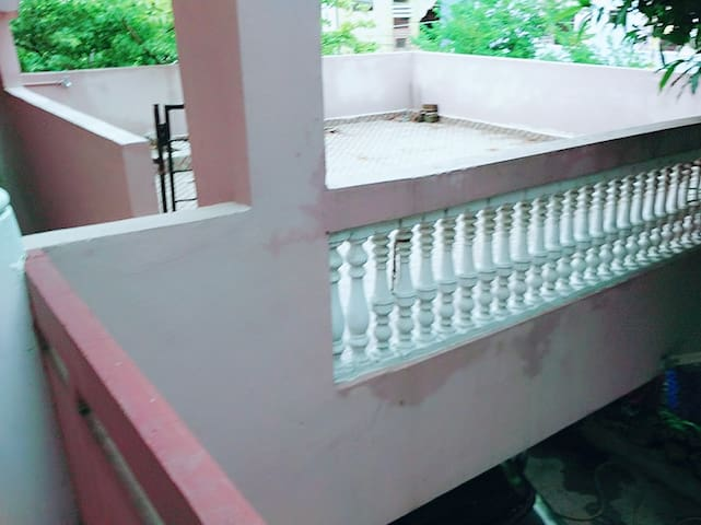 Balcony - Sit Out